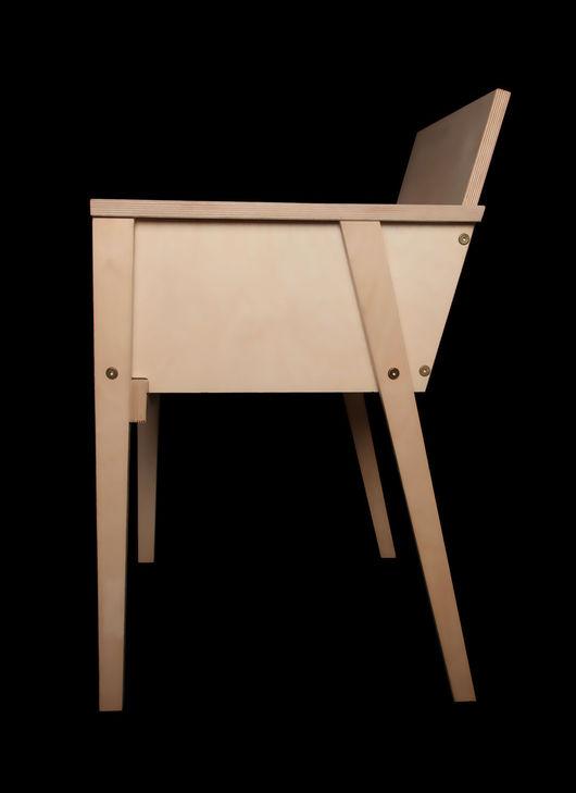 Кресло, воссозданное по эскизу близкого друга и ученика Малевича, Николая Суетина. Размеры 54х41х86(82) см, 9 кг. 3 700 р.