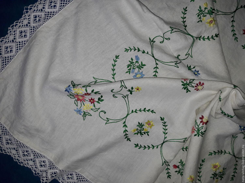 Скатерть с вышивкой ручная работа