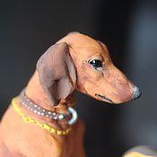 """Куклы и игрушки ручной работы. Ярмарка Мастеров - ручная работа фигурка """"такса с грибом"""" (статуэтка собаки породы такса, таксы, грибы). Handmade."""