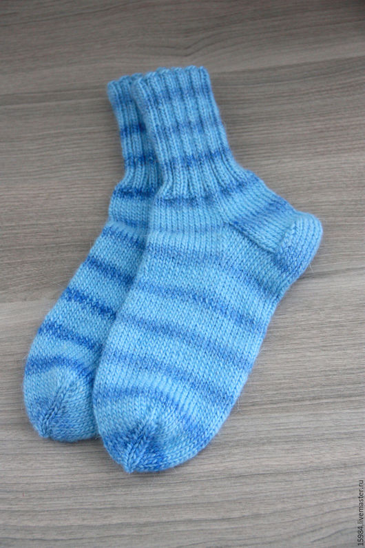 """Носки, Чулки ручной работы. Ярмарка Мастеров - ручная работа. Купить Вязаные носочки """"На волне"""". Handmade. Голубой"""