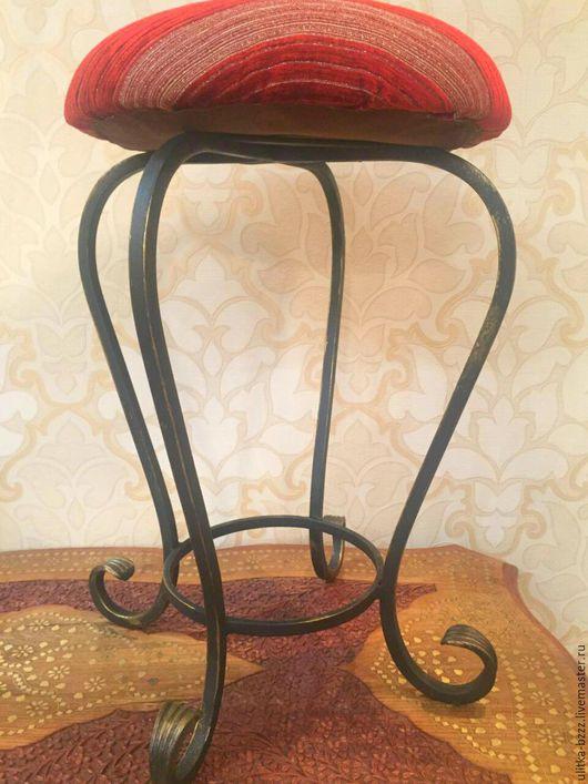 """Мебель ручной работы. Ярмарка Мастеров - ручная работа. Купить Табурет """"Полоски"""". Handmade. Черный, ручная ковка, полосатый, золото"""