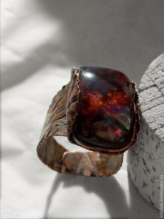 Кольца ручной работы. Ярмарка Мастеров - ручная работа. Купить ПЛАМЯ ВАЛГАЛЛЫ, кольцо из меди с янтарем, викинги, мифология. Handmade.
