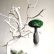 Елочные игрушки ручной работы. Ярмарка Мастеров - ручная работа Зеленый мухомор из ткани, елочная игрушка гриб. Handmade.