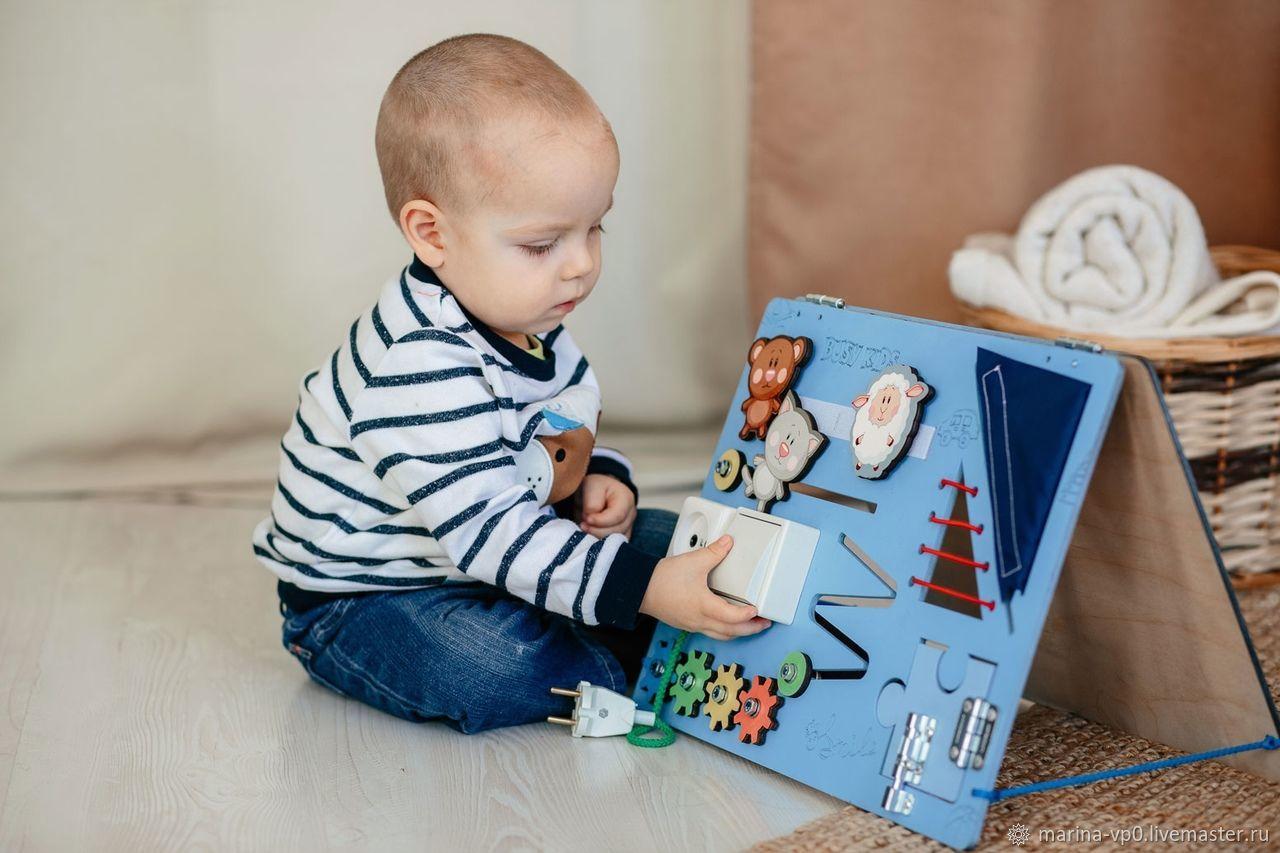 Развивающие игрушки ручной работы. Ярмарка Мастеров - ручная работа. Купить Развивающая доска Бизиборд голубой. Handmade. Развивающая игрушка
