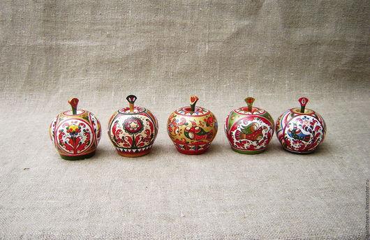 Сувениры ручной работы. Ярмарка Мастеров - ручная работа. Купить Яблоко. Handmade. Комбинированный, яблоко, дерево, лак глянцевый