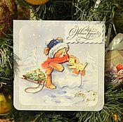 Открытки ручной работы. Ярмарка Мастеров - ручная работа новогодняя открытка мишка лепит снеговика (о38). Handmade.
