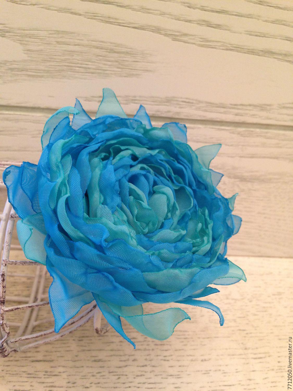 Сделать брошь-цветок из ткани своимируками