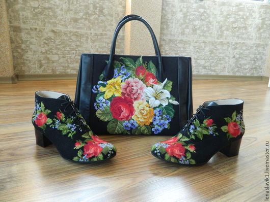 Обувь ручной работы. Ярмарка Мастеров - ручная работа. Купить ботиночки . основа-натуральная кожа.верх-ручная вышивка.. Handmade.