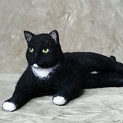 Куклы и игрушки ручной работы. Ярмарка Мастеров - ручная работа Войлочная игрушка  Черный кот. Handmade.