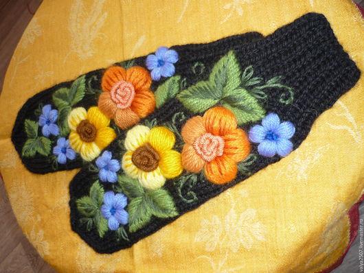 """Варежки, митенки, перчатки ручной работы. Ярмарка Мастеров - ручная работа. Купить Варежки ручная вышивка""""Цветы""""ручная работа. Handmade. Комбинированный"""