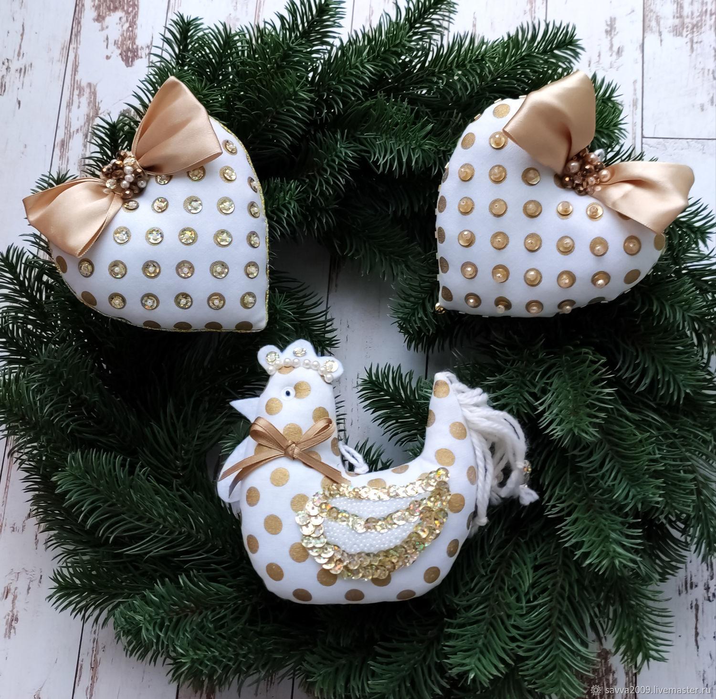 Golden Cockerel and Heart pendants on Christmas tree decoration New year 2020, Christmas decorations, Yaroslavl,  Фото №1