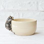 """Посуда ручной работы. Ярмарка Мастеров - ручная работа Кружка """"Енот"""" (белая). Handmade."""