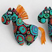 Куклы и игрушки ручной работы. Ярмарка Мастеров - ручная работа Текстильная брошка-лошадка. Handmade.
