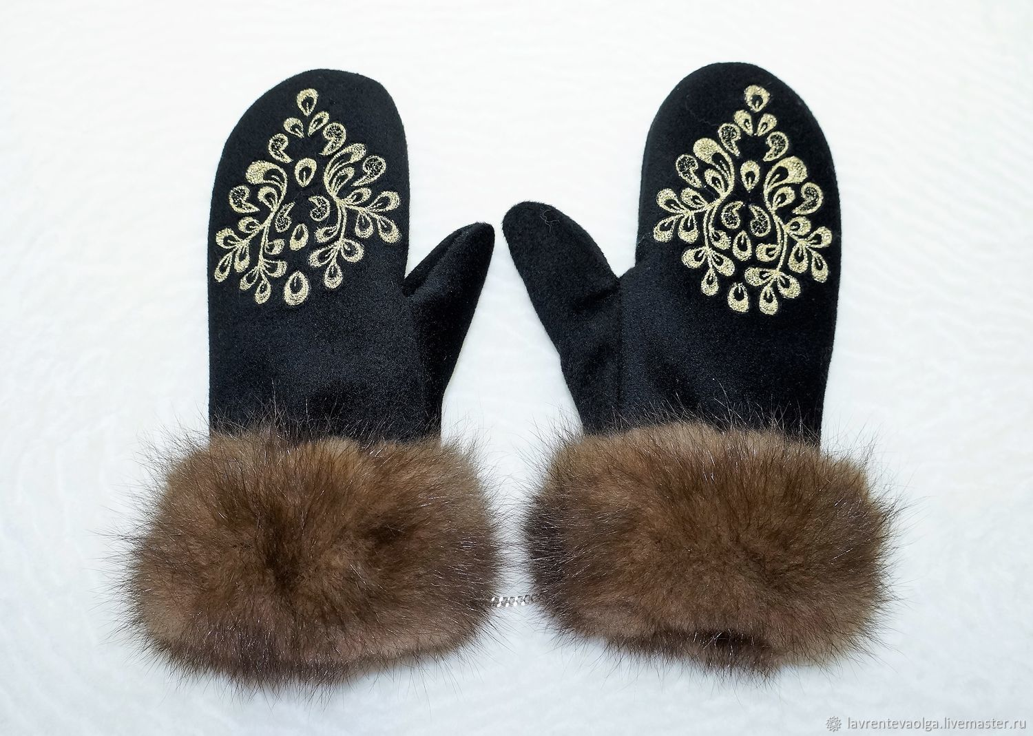 Mittens with sable fur and embroidered, Mittens, Moscow, Фото №1
