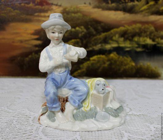 """Винтажные предметы интерьера. Ярмарка Мастеров - ручная работа. Купить Фарфоровая статуэтка """"Мальчик с собакой"""", Германия 1960-е г.г.. Handmade."""