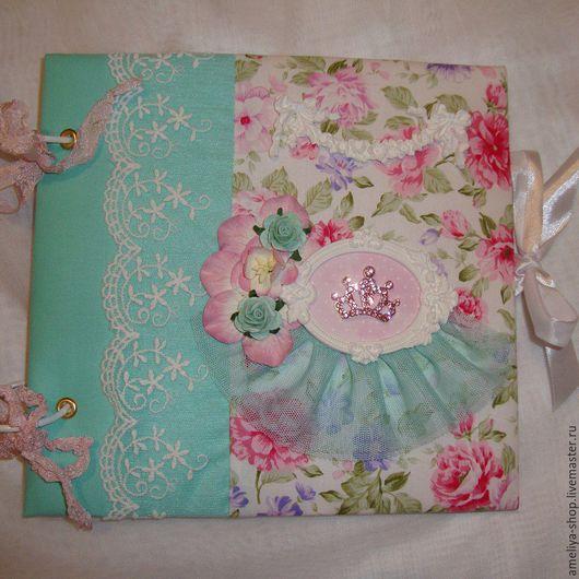 Подарки для новорожденных, ручной работы. Ярмарка Мастеров - ручная работа. Купить Альбом для  принцессы. Handmade. Подарок на выписку, пивной картон