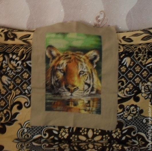 """Животные ручной работы. Ярмарка Мастеров - ручная работа. Купить Вышитая картина """" Плывущий тигр"""". Handmade. Тигр"""