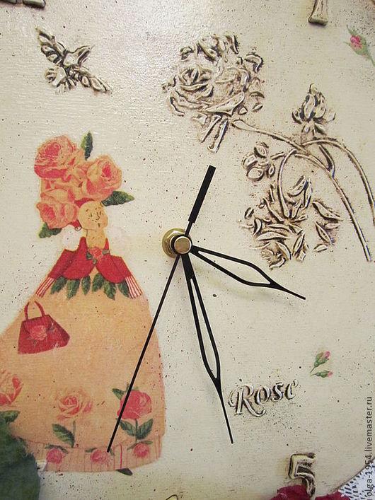 """Часы для дома ручной работы. Ярмарка Мастеров - ручная работа. Купить Часы """"Фея роз"""". Handmade. Бежевый, птица, лето"""