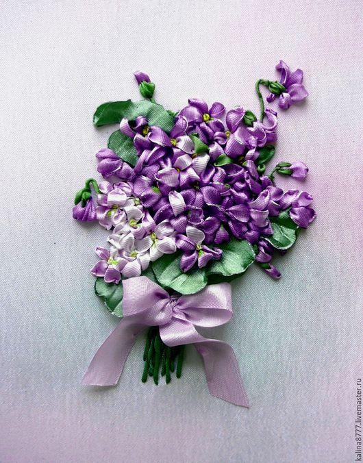 Картины цветов ручной работы. Ярмарка Мастеров - ручная работа. Купить Картина вышитая лентами Букет фиалок (фиолетовый). Handmade.
