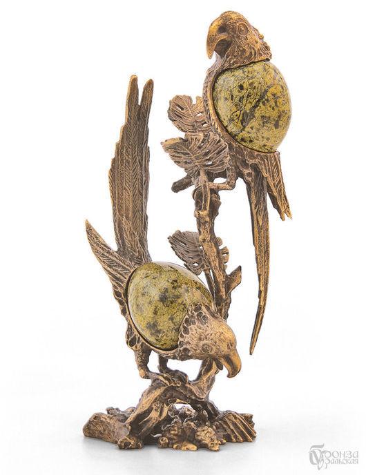 Статуэтки ручной работы. Ярмарка Мастеров - ручная работа. Купить Попугай на ветке. Handmade. Змеевик, попугаи, статуэтки из металла, литьё