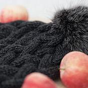 """Аксессуары ручной работы. Ярмарка Мастеров - ручная работа Шапочка женская """"Скоро зима))"""" с меховым помпоном. Handmade."""