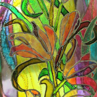Посуда ручной работы. Ярмарка Мастеров - ручная работа Бутылка стеклянная витражная Ирисы цветы. Handmade.