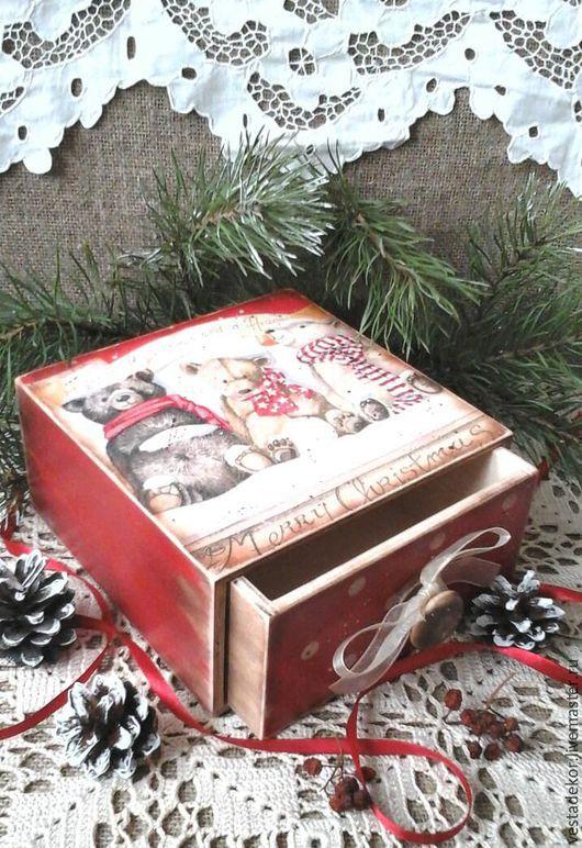 Новогодний подарок,подарок на Новый год,мишки, рождество,короб для сладостей,коробка для подарка,красный,праздничный,короб декупаж,винтажный,винтажный стиль,подарок на Рождество
