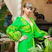 Одежда ручной работы. Ярмарка Мастеров - ручная работа Платье сочно- зелёного цвета с вышивкой.. Handmade.
