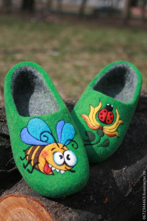 """Обувь ручной работы. Ярмарка Мастеров - ручная работа. Купить Детские тапочки  """"Пчелка"""". Handmade. Зеленый, детские тапочки, подарок"""
