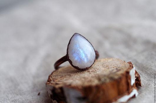 Кольца ручной работы. Ярмарка Мастеров - ручная работа. Купить Кольцо 18,7 с большим лунным камнем. Handmade. Медь