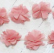 Материалы для творчества ручной работы. Ярмарка Мастеров - ручная работа Шифоновые цветы на сетке дымчато-розовые (пудровый). Handmade.