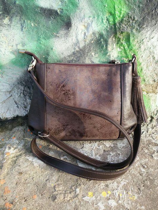 Мужские сумки ручной работы. Ярмарка Мастеров - ручная работа. Купить Кожаная сумка кросс - боди со вставкой и кистью. Handmade.