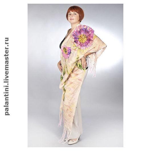 Пионы цветут. \r\nЗаполнили сад, прихватив \r\nДаже кусочек неба! \r\n(Японская поэзия)