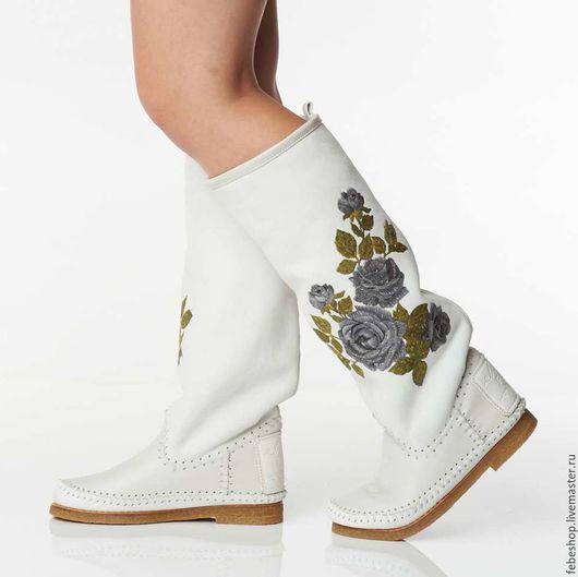 Обувь ручной работы. Ярмарка Мастеров - ручная работа. Купить Зимние сапоги на овчине   ROSA / белые/. Handmade. Белый