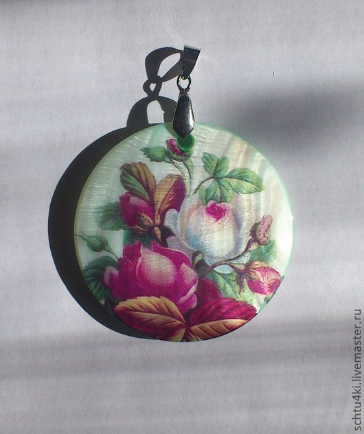 Кулоны, подвески ручной работы. Ярмарка Мастеров - ручная работа. Купить Подвеска ретро цветы(перламутр). Handmade. Подвеска, розы