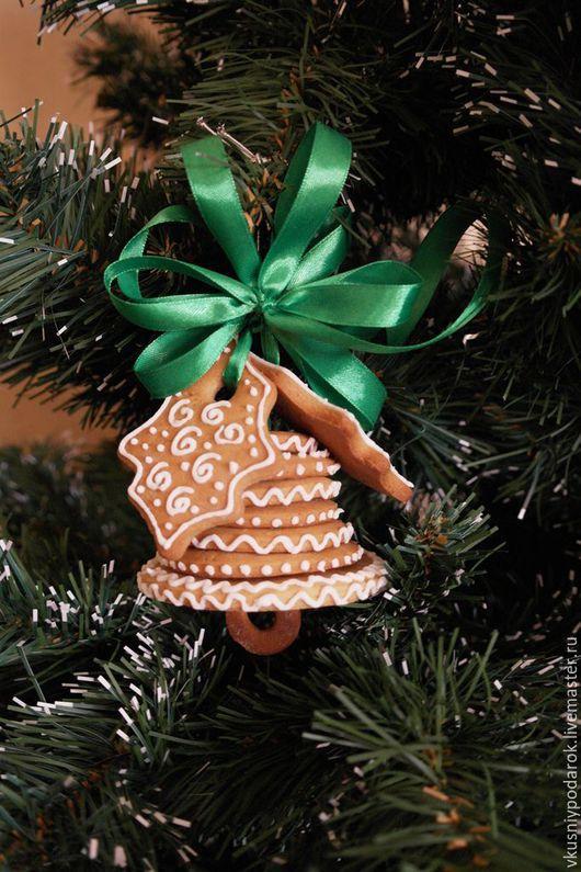 Новый год 2017 ручной работы. Ярмарка Мастеров - ручная работа. Купить Новогодний сладкий подарок - Имбирный колокольчик. Handmade.