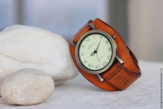 """Часы ручной работы. Ярмарка Мастеров - ручная работа. Купить Часы на широком кожаном ремешке """"Скрипка"""". Handmade. Оранжевый"""
