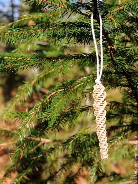 Сосулька на елке