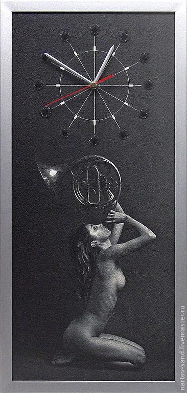 """Часы для дома ручной работы. Ярмарка Мастеров - ручная работа. Купить """"МУЗА"""" из песка часы авторские. Handmade. Чёрно-белый"""