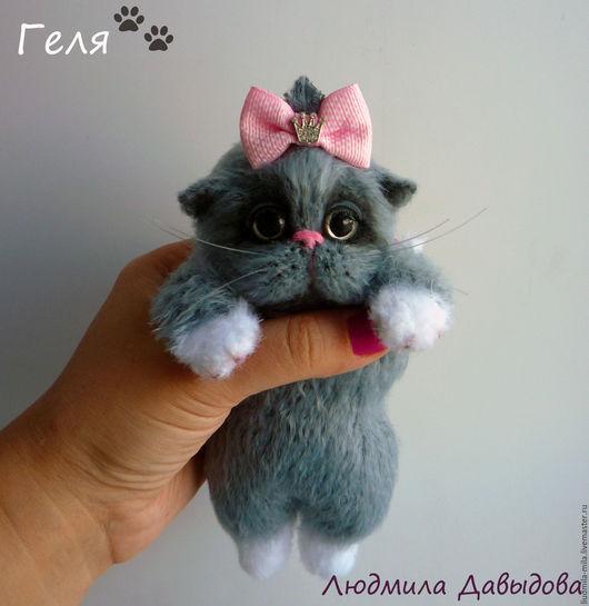 Людмила Давыдова , котенок, серая кошка, игрушка  котенок, мягкая игрушка кот, мягкая игрушка кошка, игрушка ручной работы, вязаная игрушка, котенок вязаный, купить игрушку кошку, серый котенок,