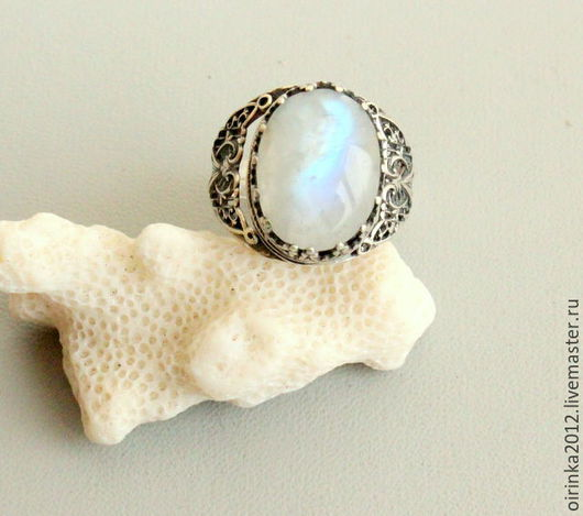 Кольца ручной работы. Ярмарка Мастеров - ручная работа. Купить Кольцо Лунный камень. Handmade. Белый, кольцо из серебра