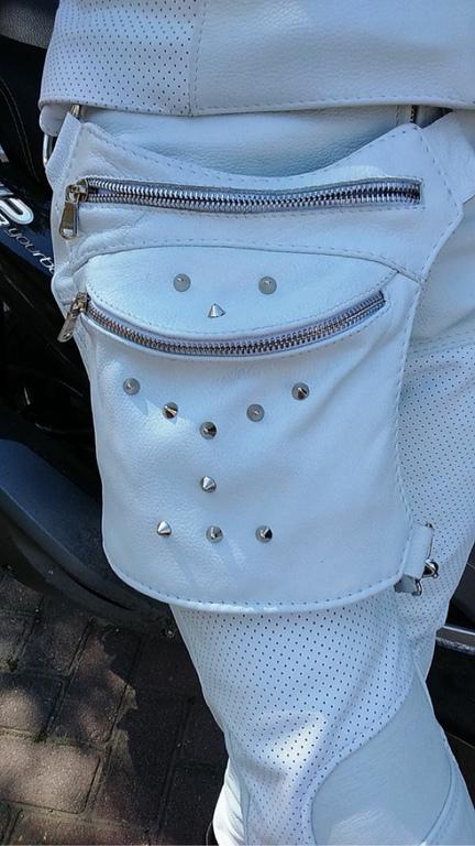 Спортивные сумки ручной работы. Ярмарка Мастеров - ручная работа. Купить Сумка на бедро кожаная. Handmade. Белый, мотосумка