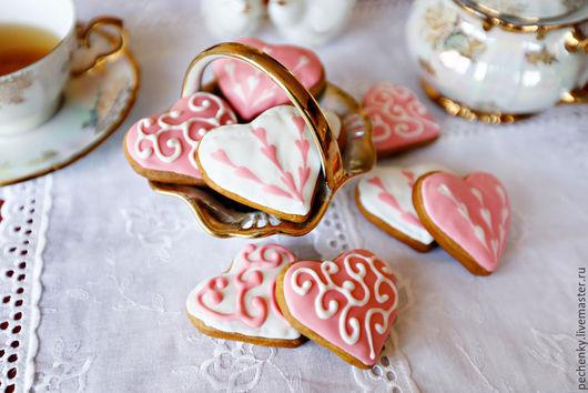 Кулинарные сувениры ручной работы. Ярмарка Мастеров - ручная работа. Купить Пряник в форме сердечка. Handmade. Розовый, недорогой подарок