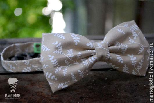 Галстуки, бабочки ручной работы. Ярмарка Мастеров - ручная работа. Купить Галстук бабочка бежевая с белыми веточками. Handmade.