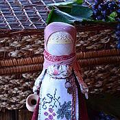 """Куклы и игрушки ручной работы. Ярмарка Мастеров - ручная работа Авторская кукла """"Времена года. Осень. Виноградный сентябрь"""" (бордовый). Handmade."""