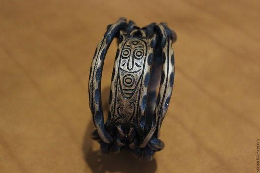 Браслеты ручной работы. Ярмарка Мастеров - ручная работа. Купить Кожаный браслет с изображением маски шамана.. Handmade. Кожаный браслет