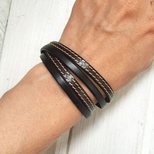 Браслеты ручной работы. Ярмарка Мастеров - ручная работа. Купить Кожаный браслет-намотка из черного и коричневого шнуров. Handmade. Черный