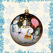 """Подарки к праздникам ручной работы. Ярмарка Мастеров - ручная работа Ёлочный шар """"Семья снеговиков"""". Handmade."""