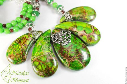 Колье бусы ожерелье из мозаичного варисцита яшмы зеленого травяного оливкого цвета на посеребренной фурнитуре винтажного стиля с агатом нефритом Колье ожерелье украшение женское купить коллеге женщине