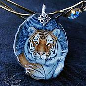 Украшения handmade. Livemaster - original item Stylish pendant Snow Tiger painted on stone lacquered miniature. Handmade.